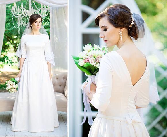 182e20d549d066 Для пошиття Наталія за основу використала викрійку сукні 120 із Burda 10/ 2011. Як варіант пропонуємо ще декілька схожих викрійок, елементи яких  підходять ...