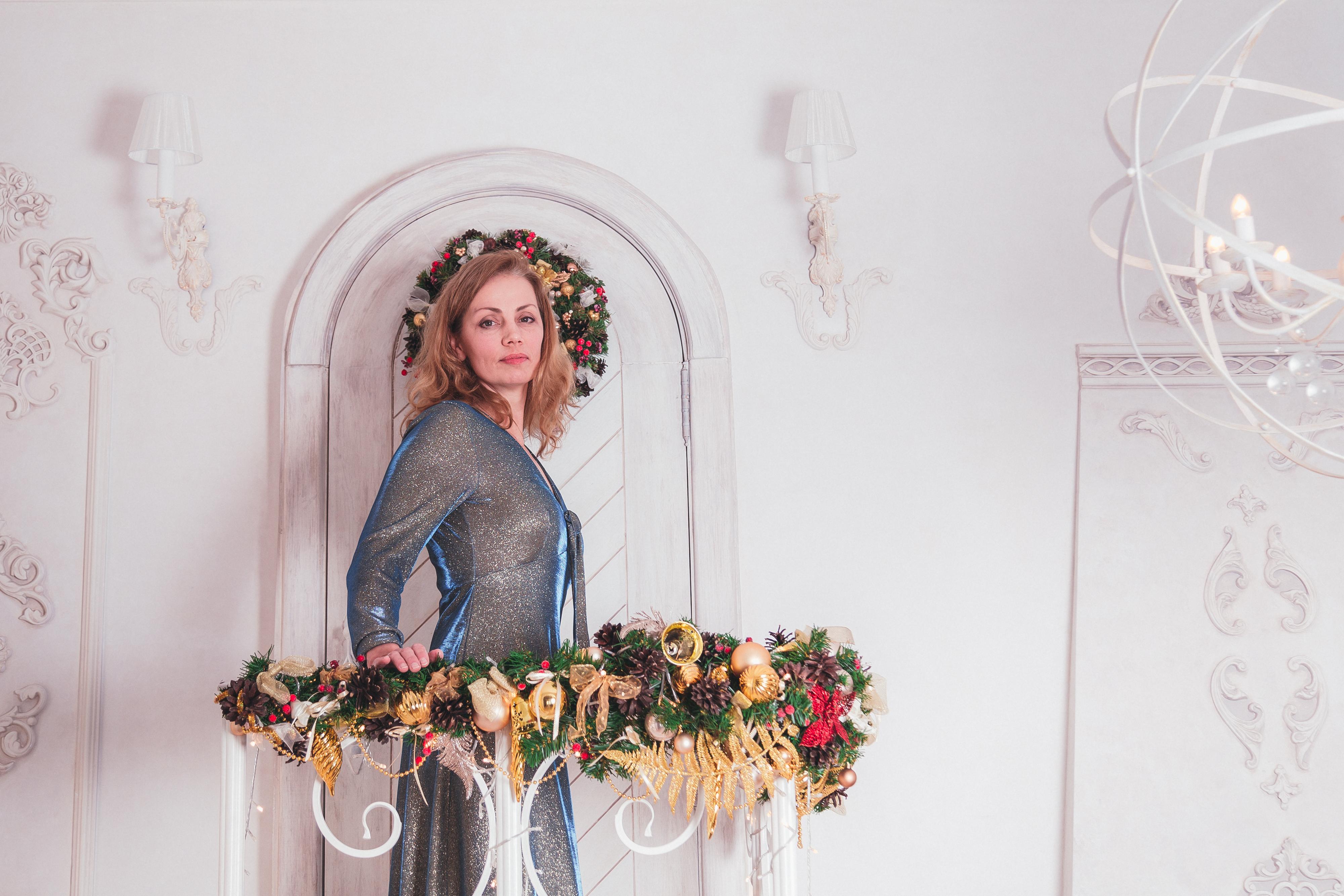 ea3821beebc3e0 Новорічні сукня і маска для зустрічі і фотосесії Київського клубу - фото 2