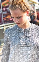 Скласти орігамі: як пошити сукню з декоративними планками