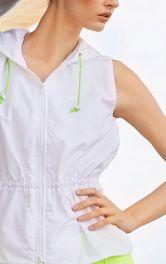 Як коригувати викрійку на похилі та прямі плечі