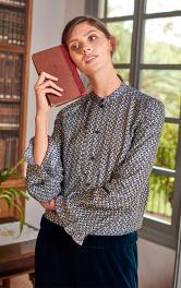 Жіноча блуза з воланами Burdastyle