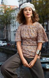 Жіноча блузка приталеного крою Burdastyle