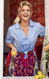 Жіноча блузка сорочкового крою Burdastyle