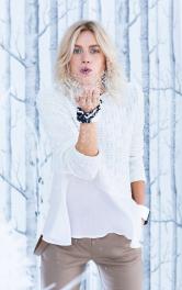 Жіночий пуловер з воланом Burdastyle