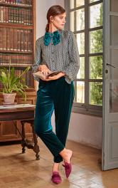 Жіночі оксамитові брюки Burdastyle