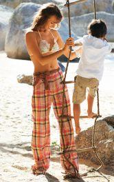 Жіноча брюки розкльошеного крою Burdastyle