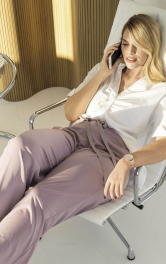 Жіночі брюки просторого крою Burdastyle