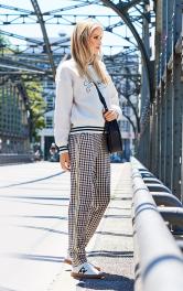 Жіночі брюки в спортивному стилі Burdastyle