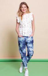 Жіночі брюки в стилі бойфренд Burdastyle