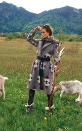 Жіноче пальто з шалевим коміром Burdastyle