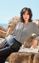 Жіночий пуловер із запахом Burdastyle