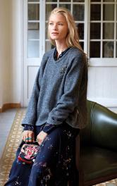 Жіночий пуловер з коміром гольф Burdastyle