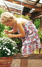 Дитяча сукня з оборками Burdastyle