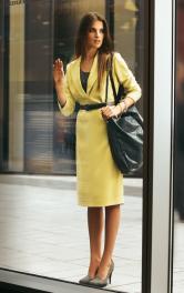 Жіноча сукня з широким коміром Burdastyle