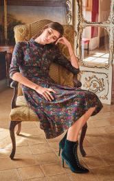 Жіноча сукня з коміром-бантом Burdastyle