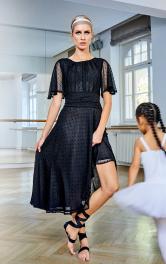 Женское платье из вышитого батиста Burdastyle