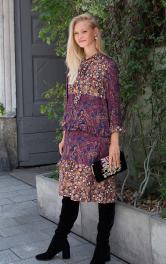 Жіноча сукня з оборками Burdastyle
