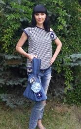 Блузка с асимметричным вырезом