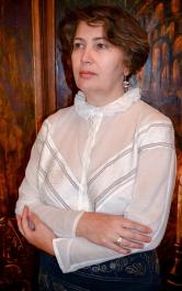Найдавніша вишивка занизуванням по шовковому батисту надихнула на пошив блузки у стилі ретро