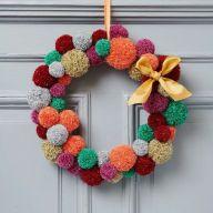 Святковий декоративний віночок на двері власноруч
