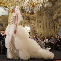 Перша біла сукня в історії весільної моди