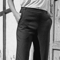 Як виконати кишені з відрізним бочком у брюках із застібкою у боковому шві