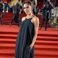 Виктория Бекхэм в черном брючном комплекте з макси-топом