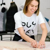 Чому варто навчитися створювати якісний одяг