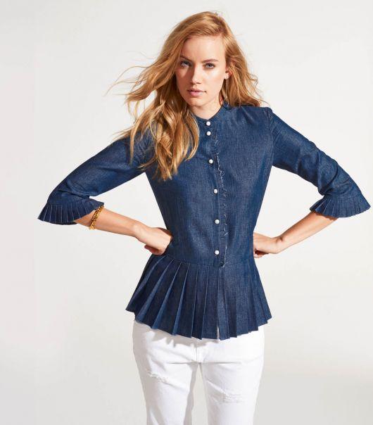 Блузка прямого силуету із плісировкою