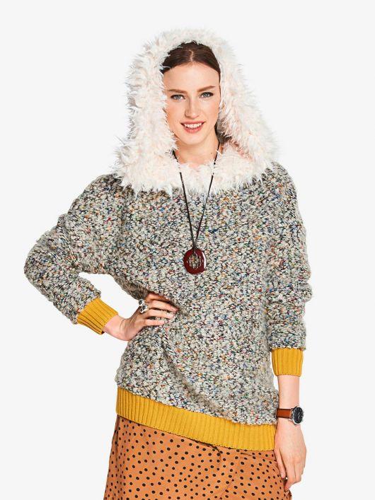 Пуловер із капюшоном з хутряною облямівкою