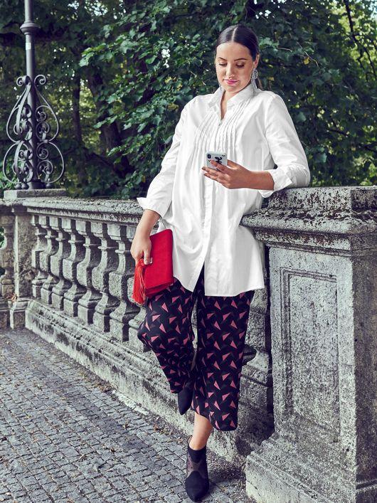 Блуза сорочкового крою з потайною застібкою