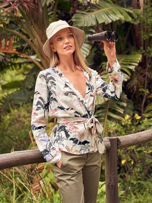 Блузка в стилі кімоно з поясом