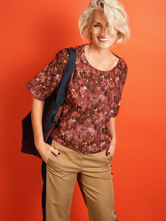 Блуза просторого крою з короткими рукавами