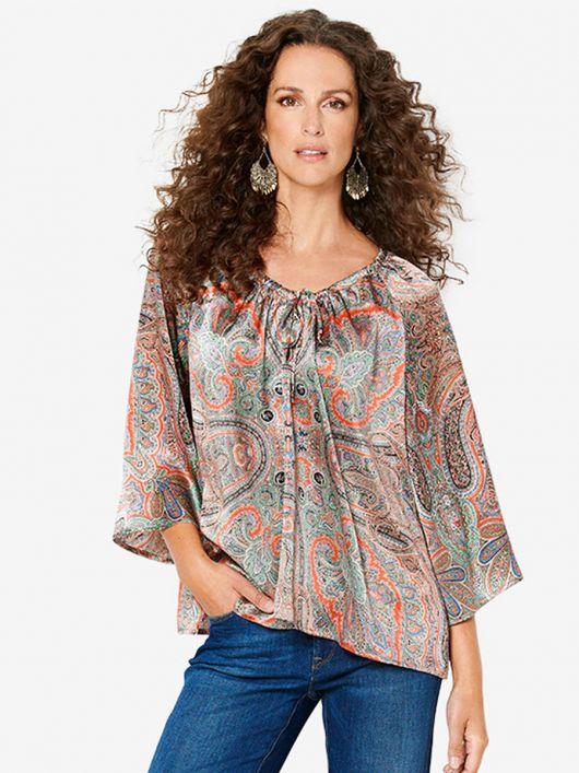 Блуза просторого крою з широкими рукавами реглан