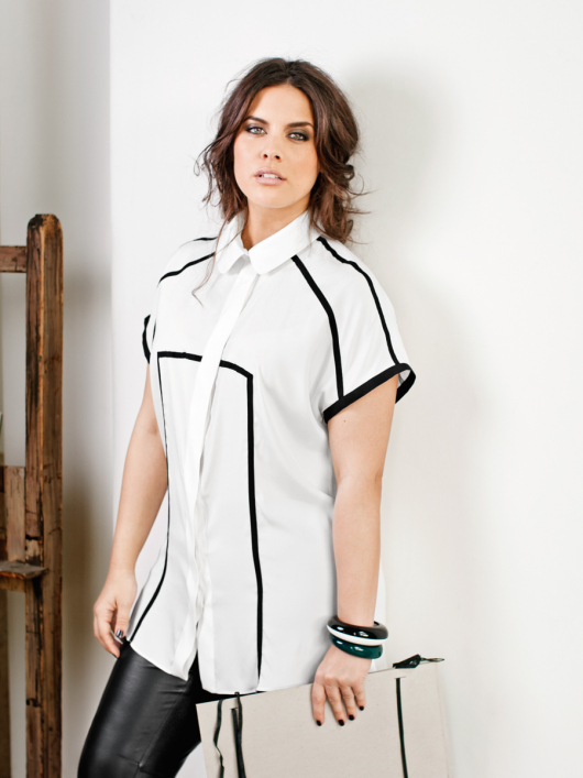 Блузка з рельєфними швами