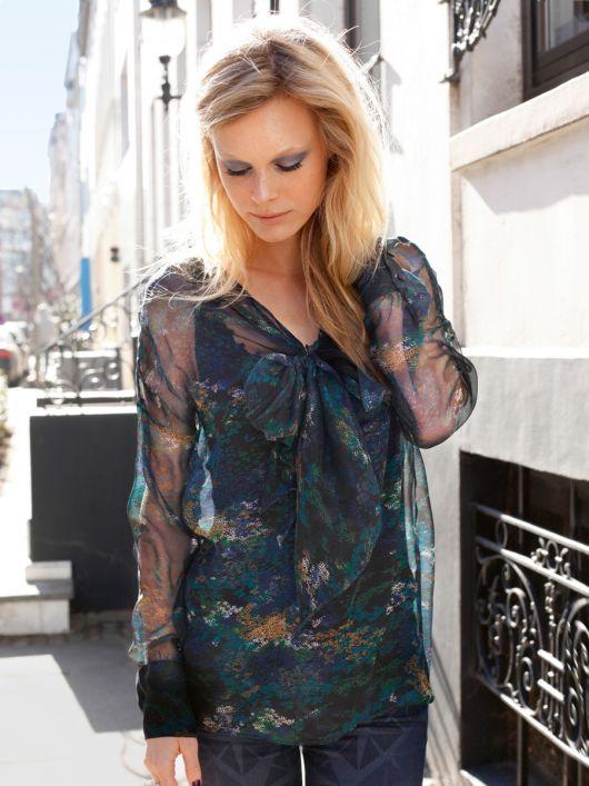 Блуза прямого крою з рукавами а-ля кімоно