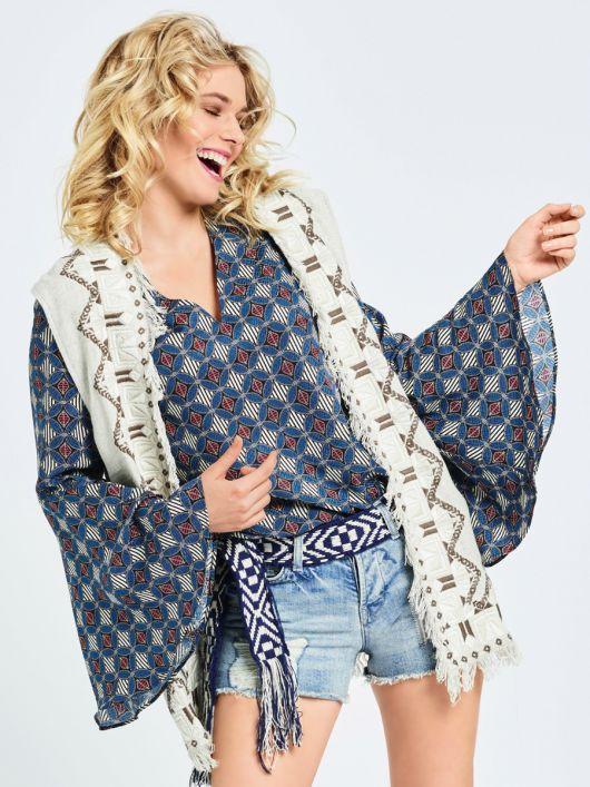 Блузка прямого крою в стилі хіпі