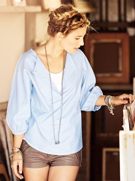 Блуза простого крою з пишними рукавами
