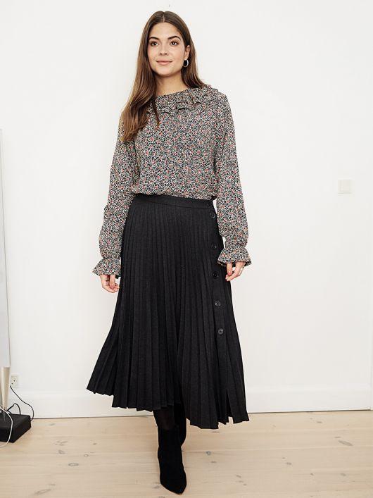 Блузка прямого кроя с воротником-оборкой в стиле Celine