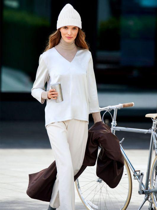 Блуза з креп-сатину