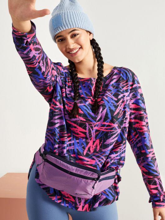 Пуловер прямого крою з декором на спинці