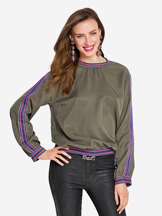 Блуза в стилі світшота з трикотажними манжетами
