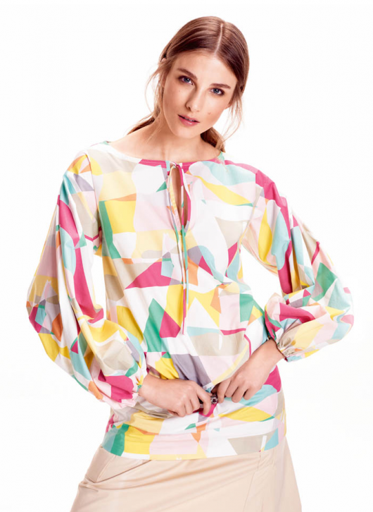 Блуза з пишними рукавами