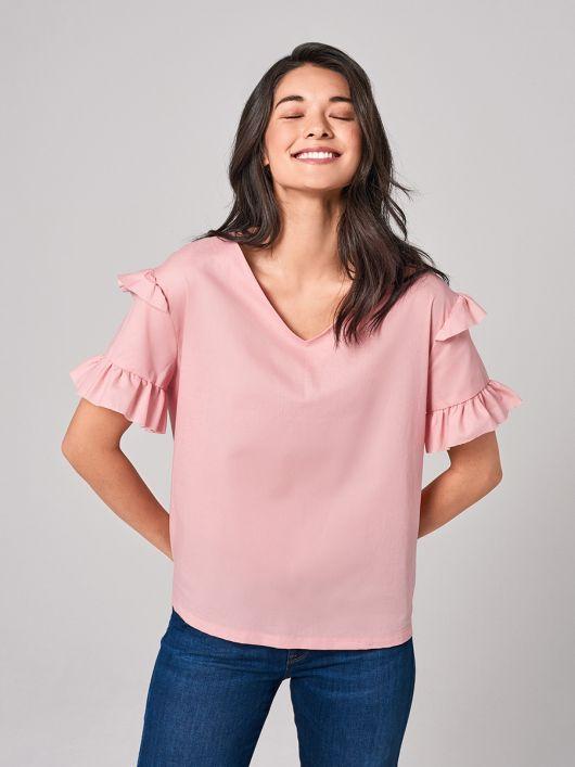 Блуза простого крою з оборками на рукавах