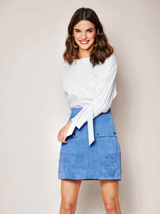 Блуза із зав'язками на рукавах