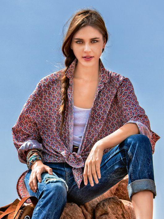 Блузка-сорочка із заокругленим низом