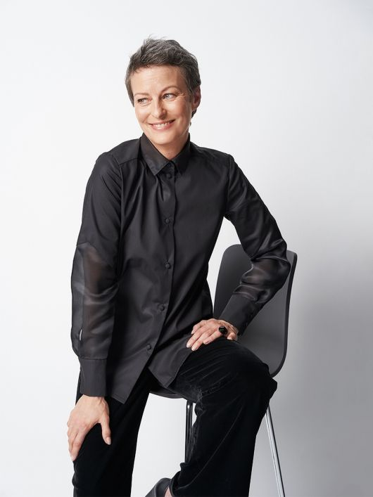 Блузка-рубашка с полупрозрачными рукавами