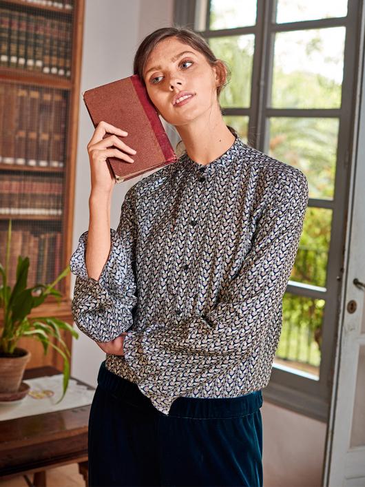 Блузка прямого крою з широкими рукавами