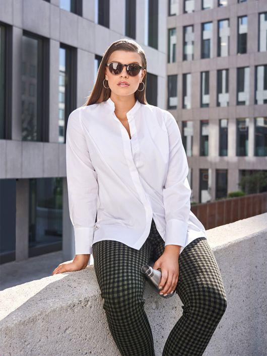 Блуза сорочкового крою із супатною застібкою