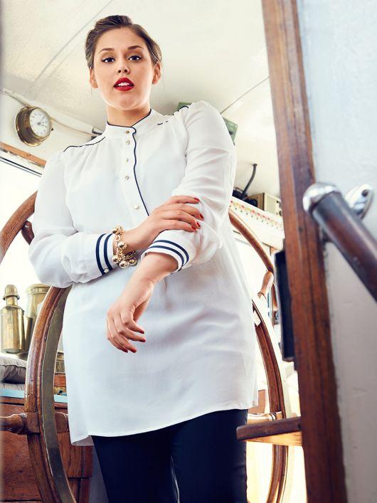 Блуза сорочкового крою з коміром-стійкою